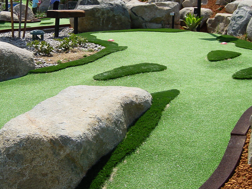 How To Build A Putting Green In My Backyard synthetic putting greens | enduroturf